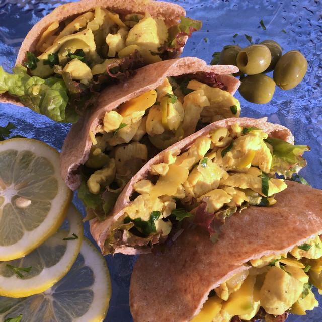 Moroccan inspired chicken lemon & olives pita
