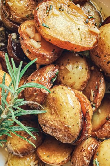 Rosemary Potatoes Featured