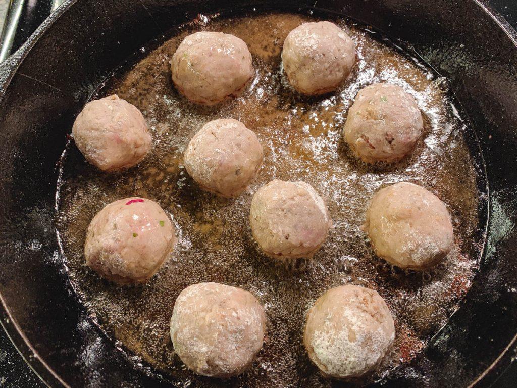 keftedakia frying